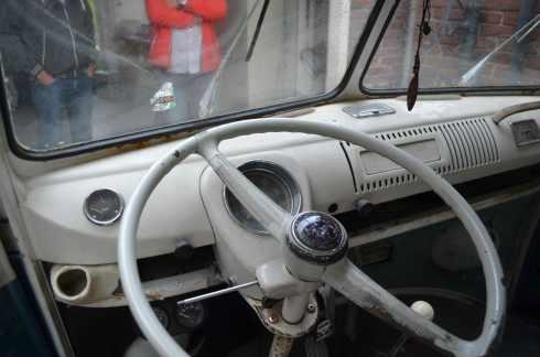 dashboard-split-screen-bus-deluxe-vw-1967-ivory