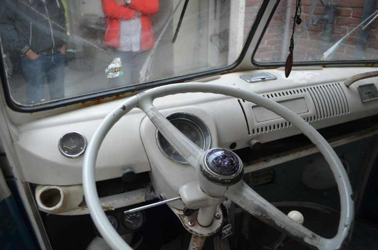 dashboard-split-screen-bus-deluxe-vw-1967-ivory