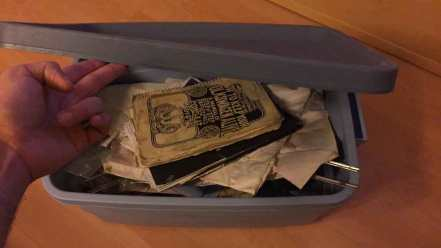 """""""The pirate box"""" - Eve's time capsule"""