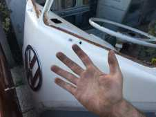 project-car-vw-bus-1967-removing-windscreen-window-glass