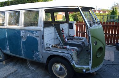 vintage-vw-bus-restoration-project-without-frontdoors