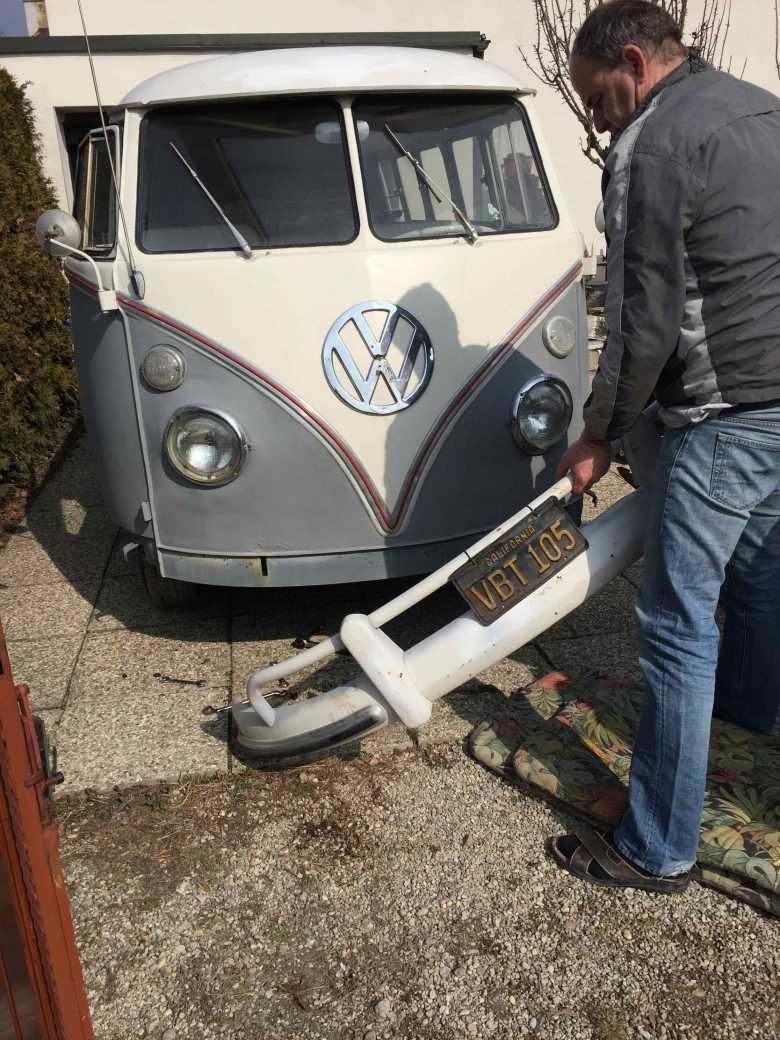 vw-splitbus-remove-front-bumper