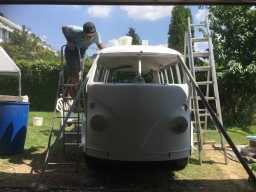 1967 VW Bus - cleaning the roof