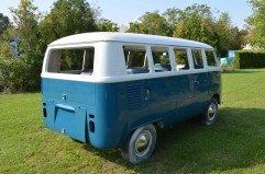 vwt1bus-rear-view-13window-1967