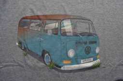 baywindow-vw-bus-shirt-wreck
