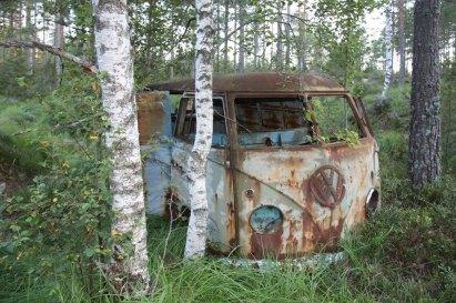 vw-bus-wrack-scheunenfund-norwegen