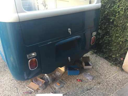 assembling-rear-lights-vintage-vwbus