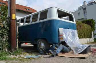sanding-engine-room-volkswagen-t1-split-bus