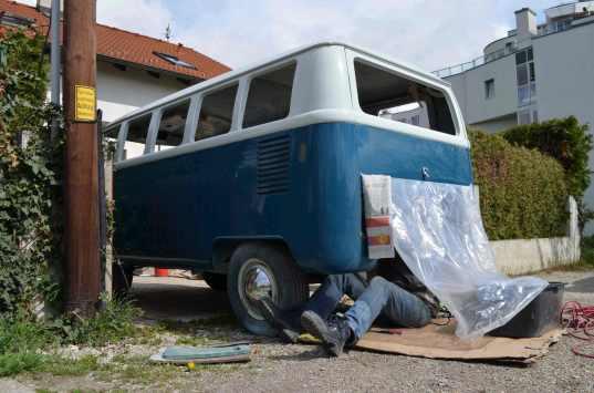 sanding-engine-room-volkswagen-t1-split-bus