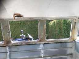 side-walls-window-frames-beforde-condition-vwtransporter