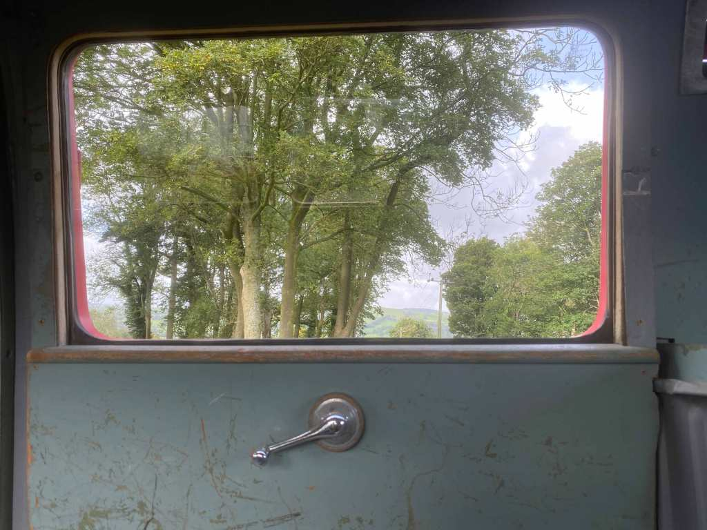 1953-vwbus-crankwindow-insideview