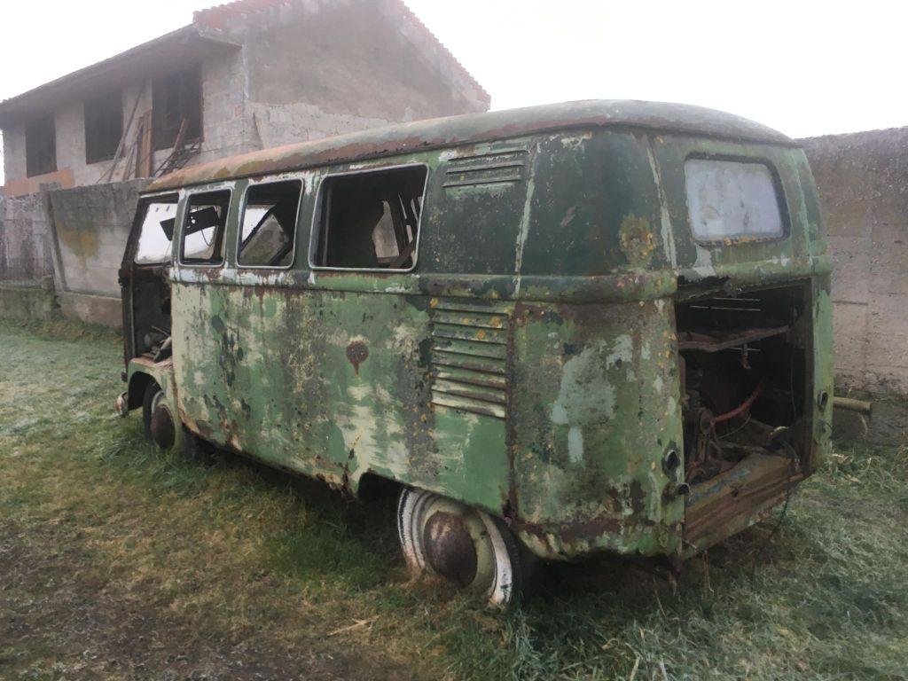 barnfind-coachbuilt-vw-barndoor-bus-austria