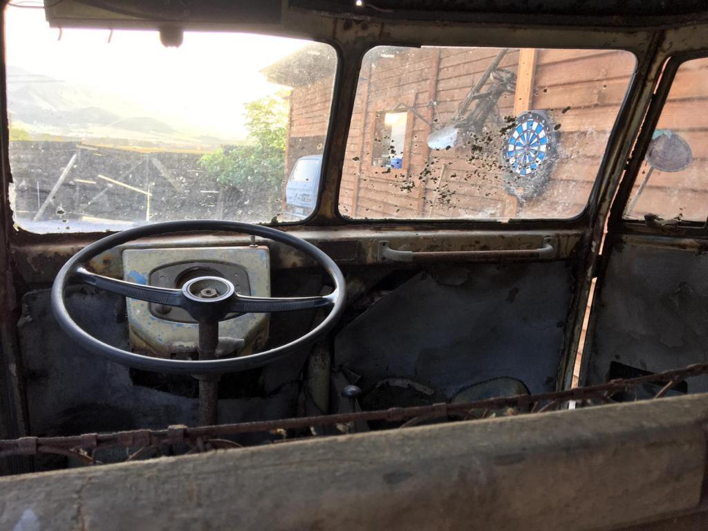 driver-cabin-1952-kastenhofer-vwbarndoor