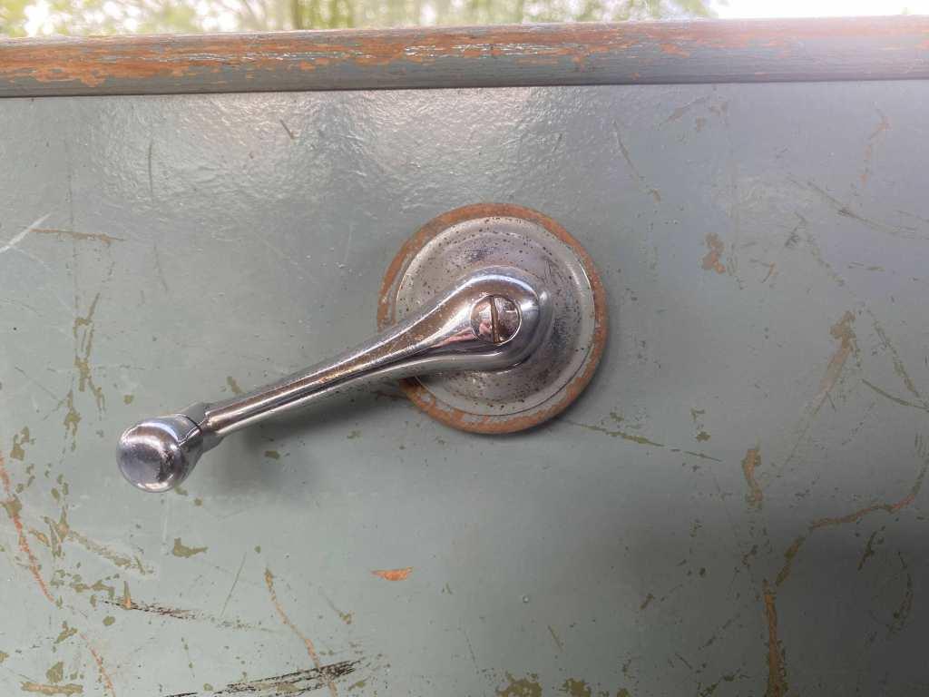 fensterkurbel-volkswagen-bus-umbau-1953
