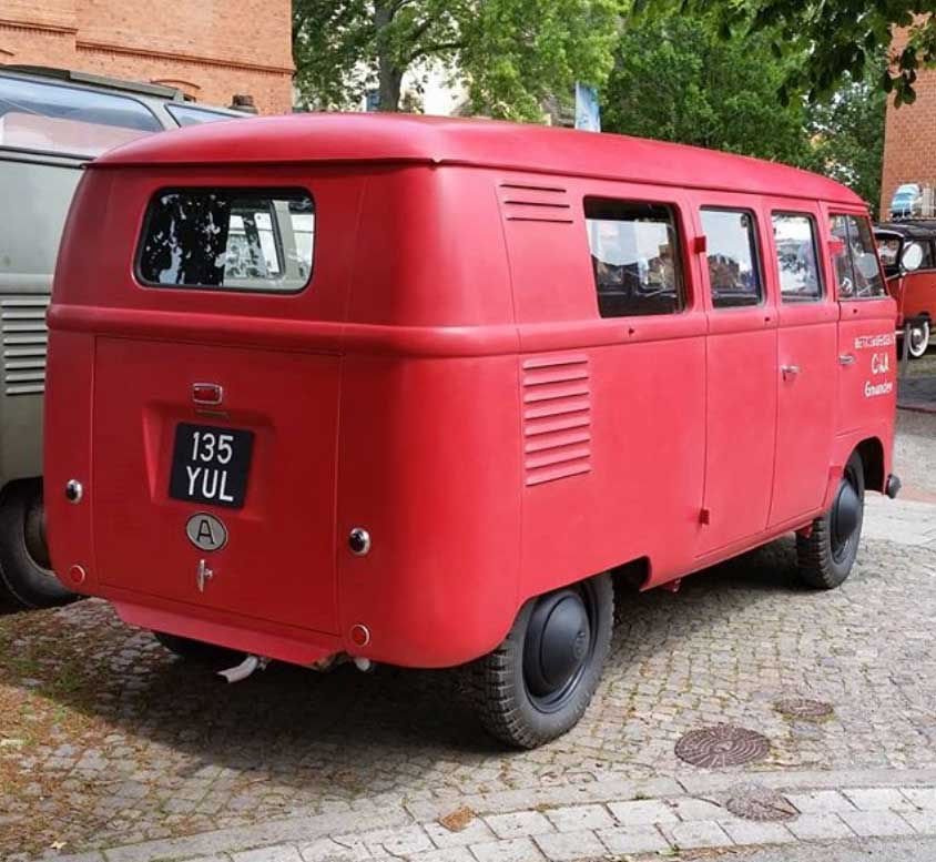 firebrigade-vw-bus-UK-crankwindow