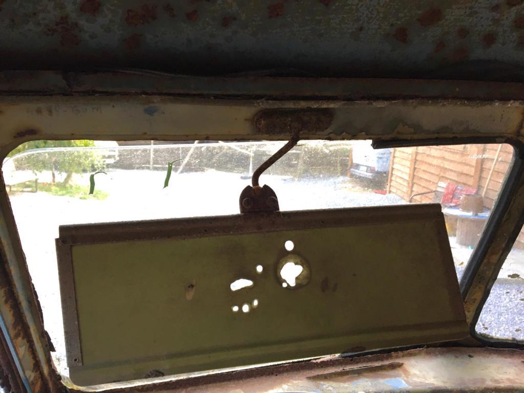 vw-bus-barndoor-strange-sunvisor