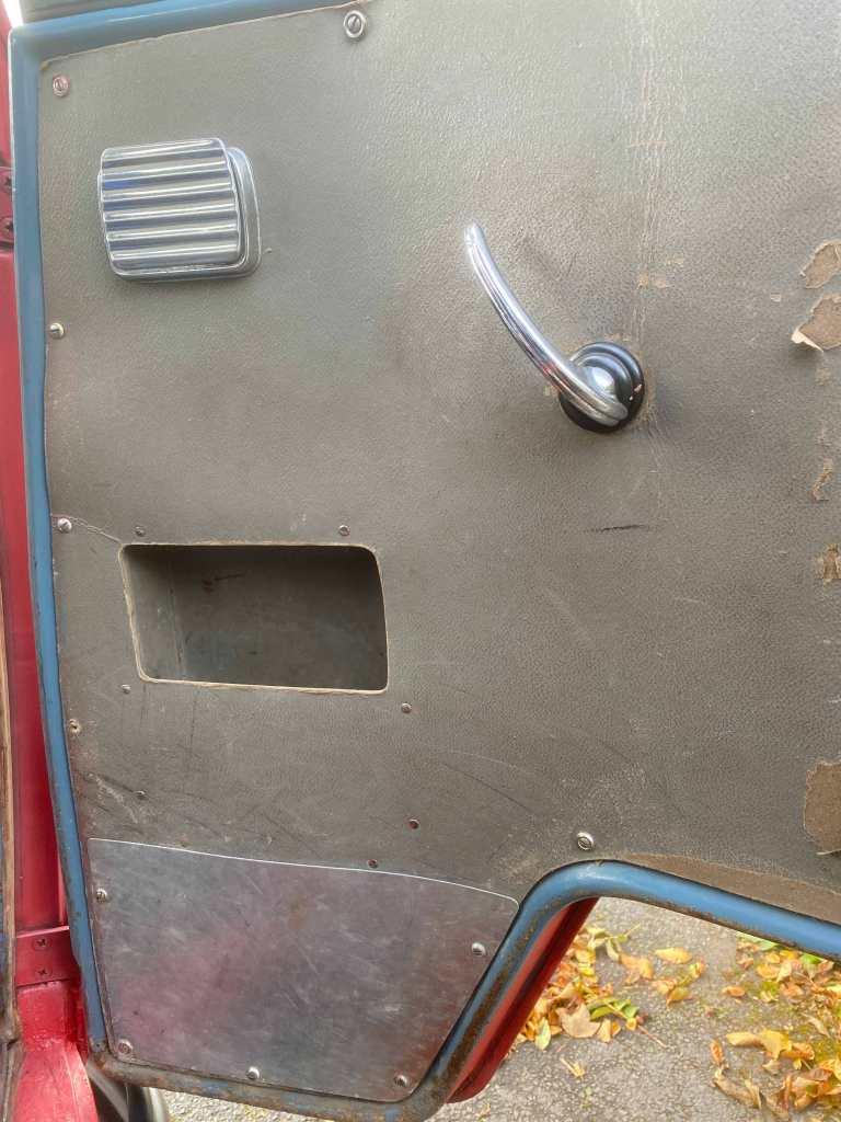 vwbarndoor-inside-view-passenger-frontdoor