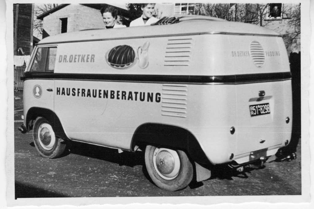 1952-DrOetker-Volkswagen-Bus-Rear-View-8298