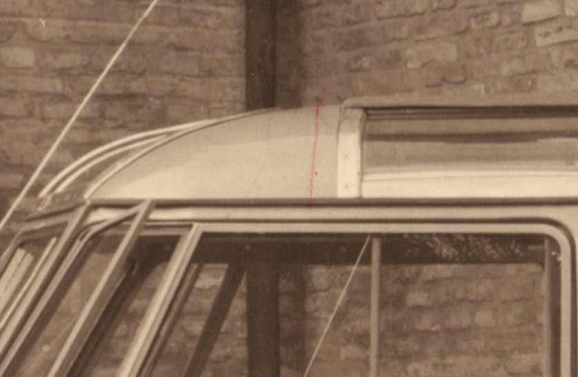 Goeppel-VW-Barndoor-Deluxe-detail-front-roof