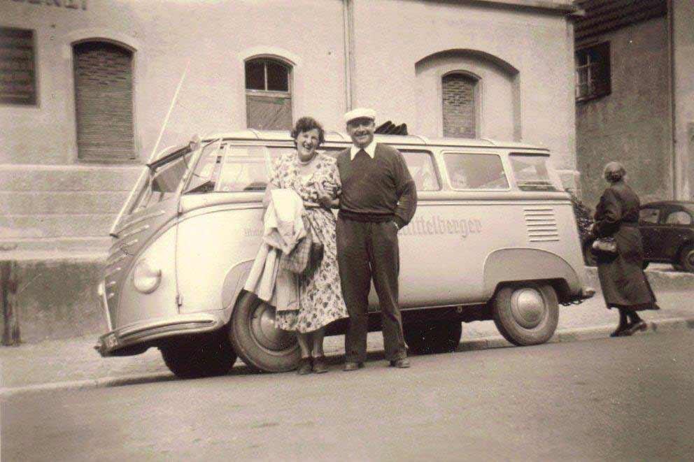 Mittelberger-Goeppel-Volkswagen-Bus-seitlich