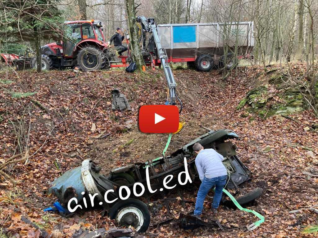 Aircooled-Video-Bergung-Waldfund-1952-VW-T1-Bus