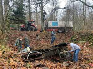 VW-Oldtimer-Autowrack-Bergung-Wald-Oesterreich